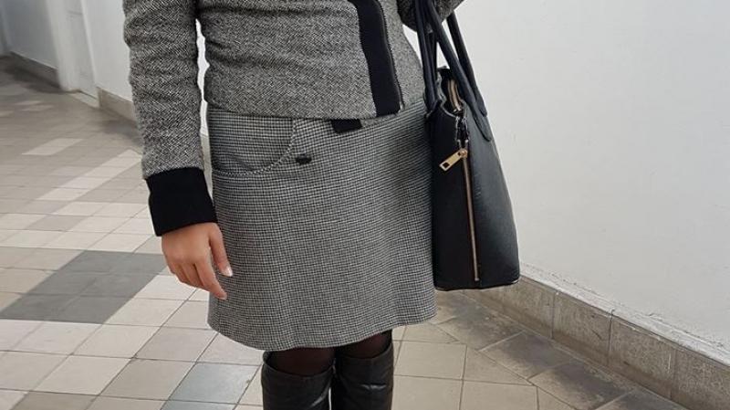 ادعت أنّه غير محترم: قاضية تطرد مواطنة من المحكمة بسبب لباسها