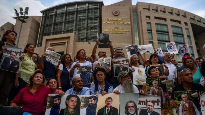 احتجاج الصحفيين بتركيا