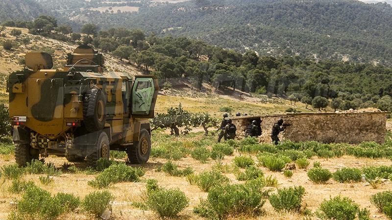 القصرين:إحباط عملية تموين مجموعات إرهابية بأزياء عسكرية