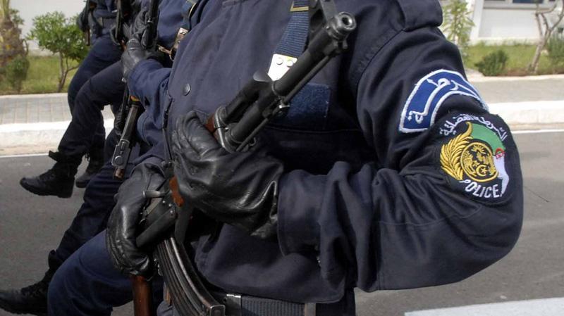 شرطي سابق يذبح زوجته