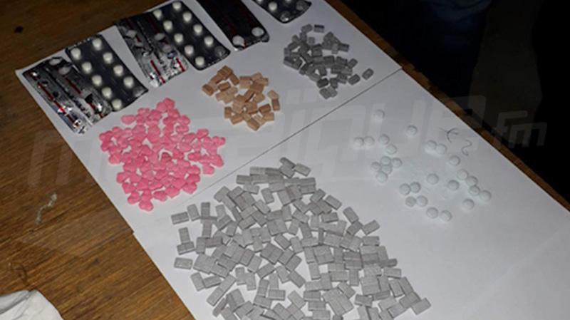 سوسة: مداهمة منزل مروج مخدرات وحجز كمية من الاكستازي