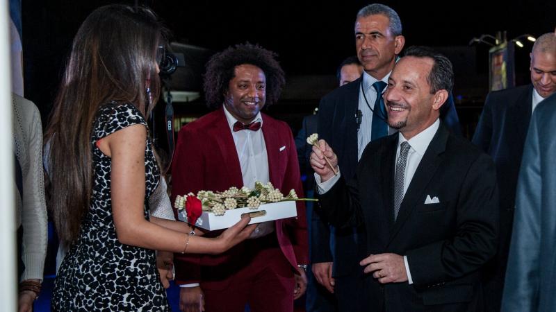 سفيرأمريكا يخاطب الشباب بالدارجة التونسية