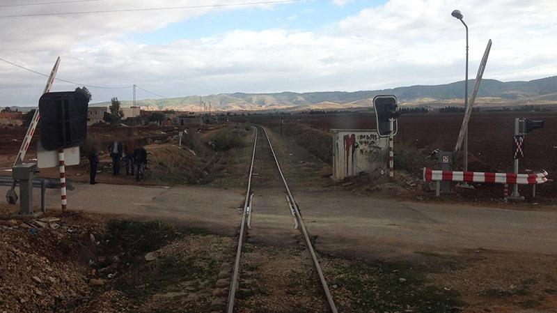 معطل منذ 9 أشهر:أعوان الشيمينو يطالبون بإعادة خط قفصة قابس