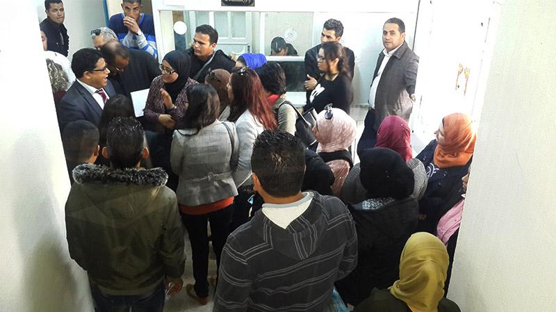 سيدي بوزيد : المعلّمون النواب في اعتصام مفتوح بمقر المندوبية