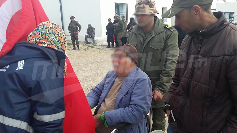 الجيش الوطني يعالج ضعاف الحال من متساكني سفح جبل سمامة