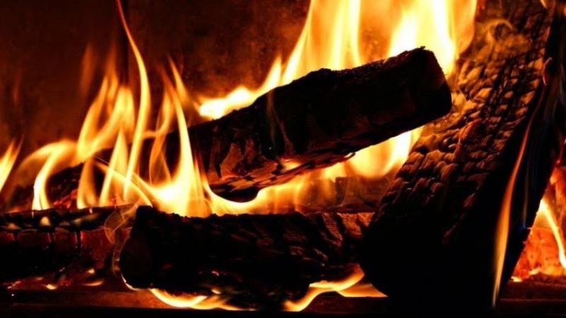 حريق بساحة في اعدادية الطاهر الحداد بصفاقس