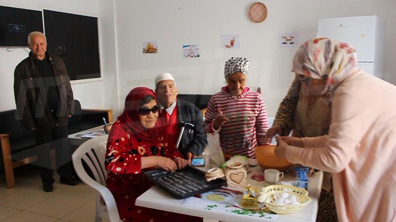 النوادي النهارية مشروع حياة جديدة لكبار السن في تونس