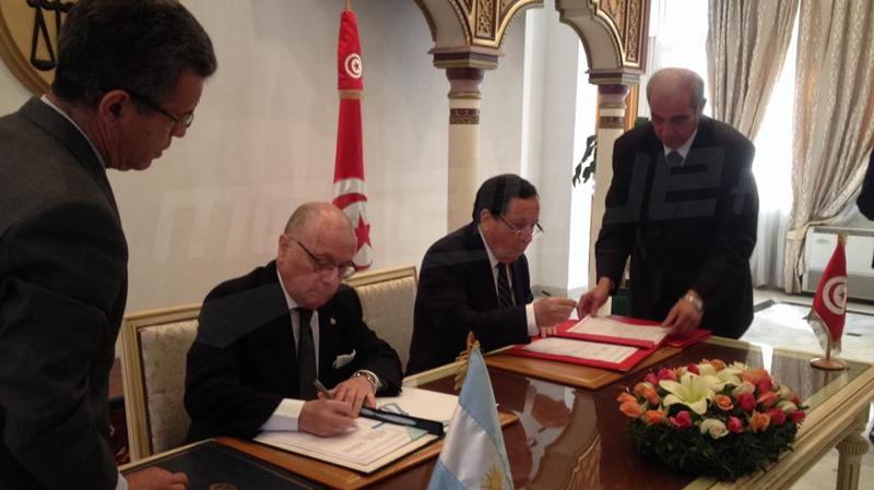 إمضاء اتّفاقيتي تعاون بين تونس والأرجنتين