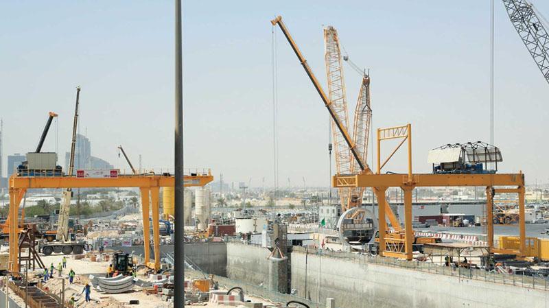 التحقيق في شبهات تجاوزات في صفقات مشاريع البنية التحتية