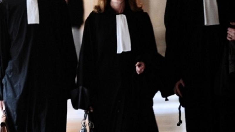 تضامنا مع الشعب السوري : المحامون يحتجون أمام المحكمة في قفصة