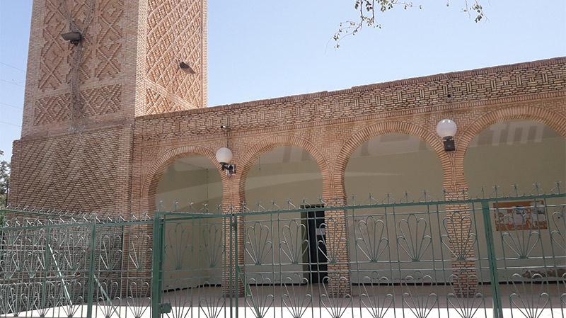 بعد ظهور تشققات داخله: غلق جامع سيدي عبيد فيتوزر