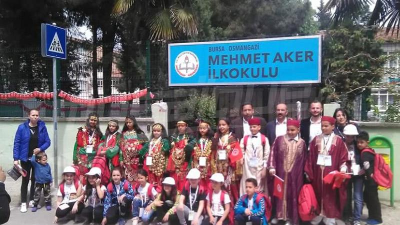 علم تونس ولباس تطاوين التقليدي يزينان المهرجان العالمي للطفولة بتركيا
