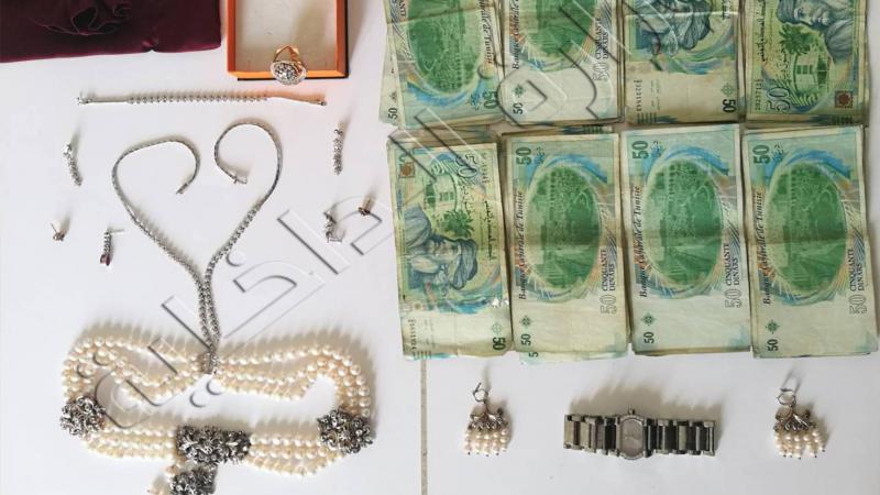 بينهم تاجر مصوغ : القبض على 4 أشخاص تورطوا في سرقةمنزل بحي الغزالة