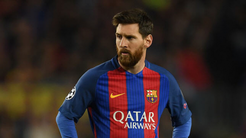 ميسي مطالب بالتوقف عن اللعب لبرشلونة