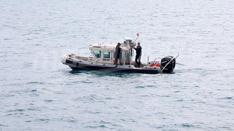جيش البحر ينقذ 11 تونسيا أبحروا خلسة