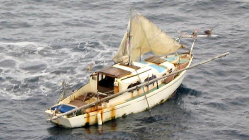 فقدان 5 صيادين بعد انقلاب زورقهم بشواطئ على الحدود التونسية