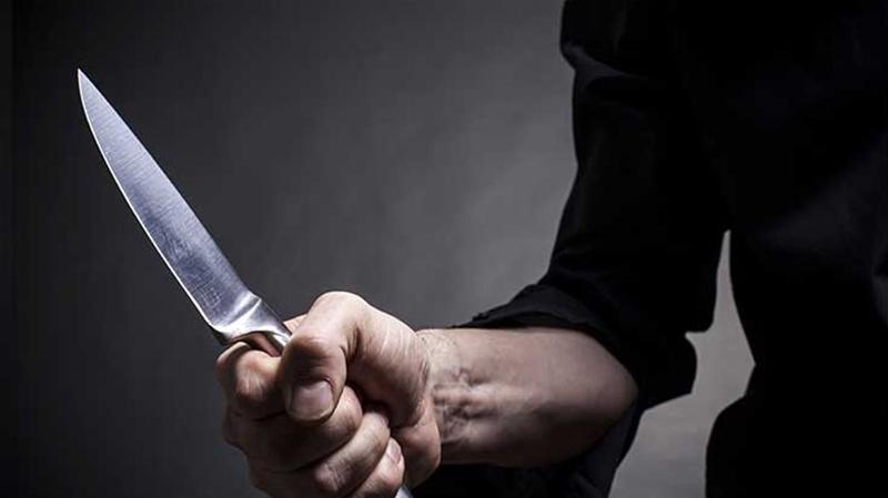 كهل يحاول الاعتداء على أمني بسكين في شارع الحرية بالعاصمة