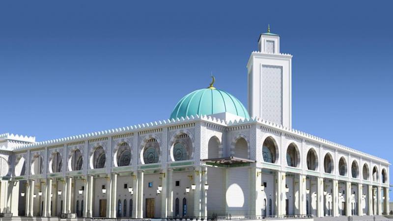 الأئمة في الجزائر يحتجون ويهددون بنقلتحركاتهم إلى رئاسة الجمهورية