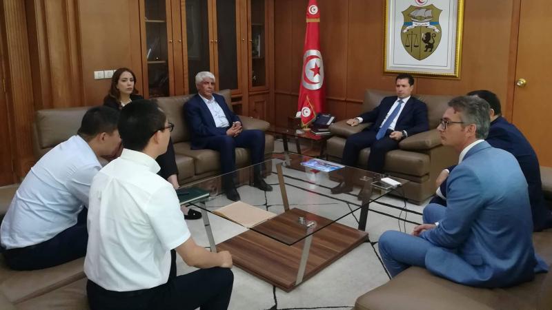 شركة صينية ترغب في استثمار 30 مليون دينار في تونس لانتاجالجرارات