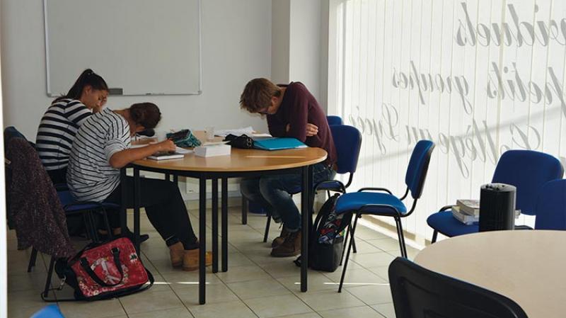 قفصة: دروس دعم ليلية لتلاميذ الباكالوريا