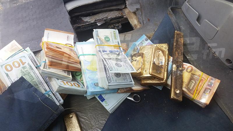 صفاقس: كميات ضخمة من الذهب والعملة الصعبة داخل خزان سيارة ليبية