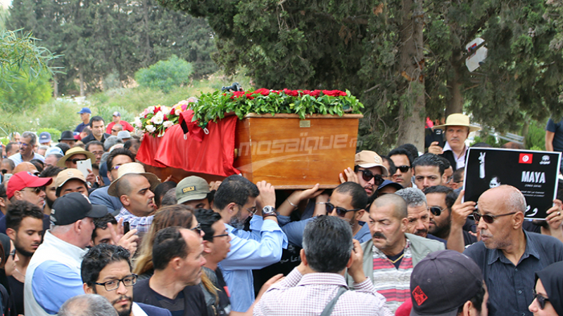 جثمان مية الجريبي يُوارى الثراى بمقبرة رادس