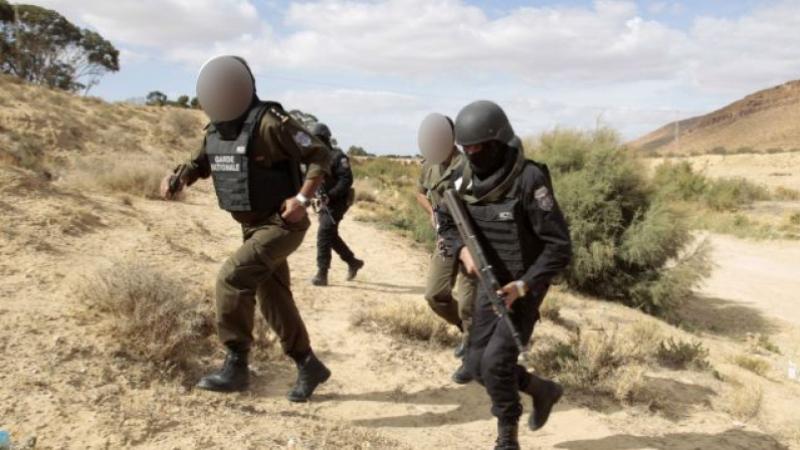 القصرين : إيقاف أجنبيين حاولا اجتياز الحدود البرية خلسة