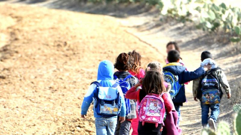 نحو وضع برنامج لمقاومة التشرد والانقطاع المبكر عن الدراسة