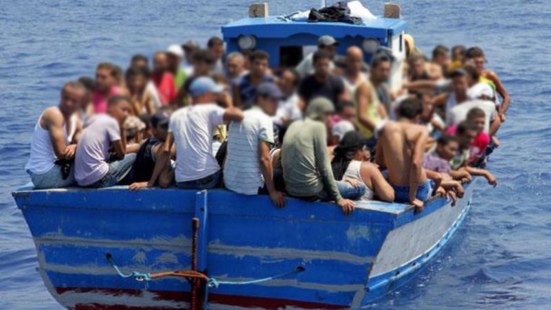 من بينهم نساء ورضيعة: 128 شخصا أغلبهم تونسيون يحاولون الإبحار خلسة