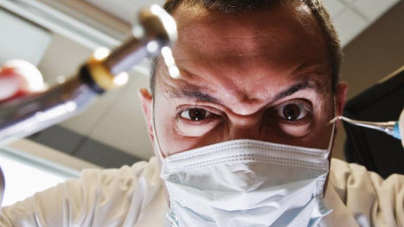 ودادية طب الأسنان تدعو إلى التخفيض في عدد الموجّهين لهذا الاختصاص