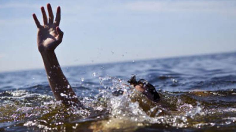 انتشال جثة شاب غرق بشاطئ غار الملح
