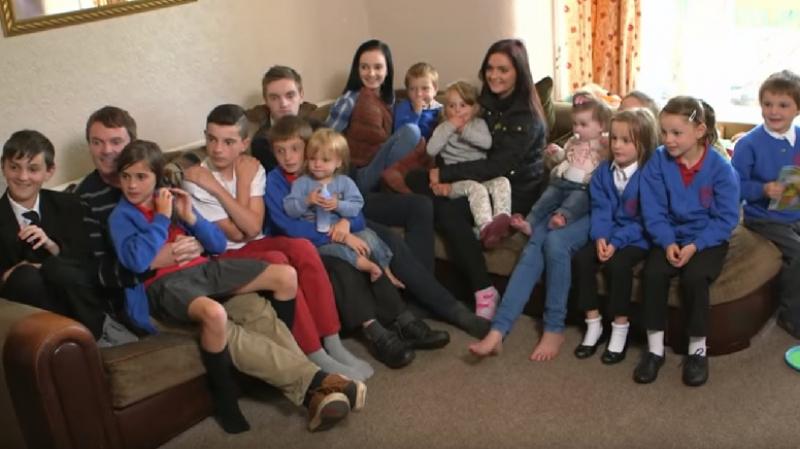 أكبر عائلة في بريطانيا تنتظر مولودها الـ 21
