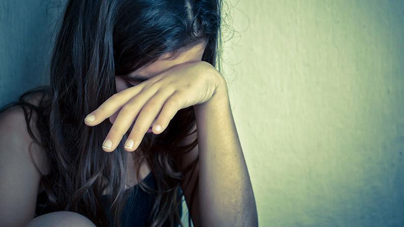 القبض على مغتصبي فتاة في المكنين