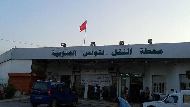 مسافرون في باب عليوة : مللنا سيناريو الاكتظاظ في كل مناسبة