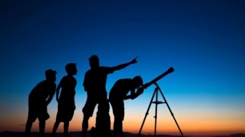 مركز الفلك الدولي: الجمعة أول أيام عيد الفطر