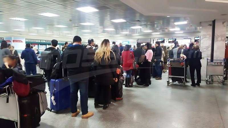 فوضى واحتقان في مطار قرطاج إثر تأجيل رحلة باتّجاه فرنسا