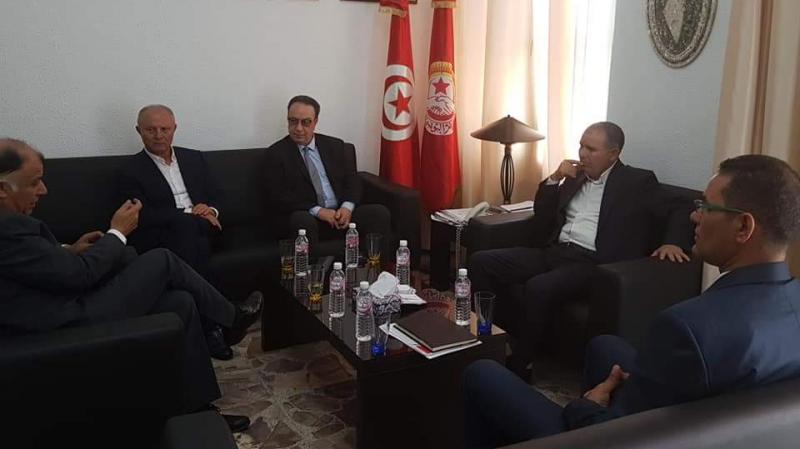 الطبوبي وحافظ السبسي يتباحثان استفحال الأزمة السياسية في تونس