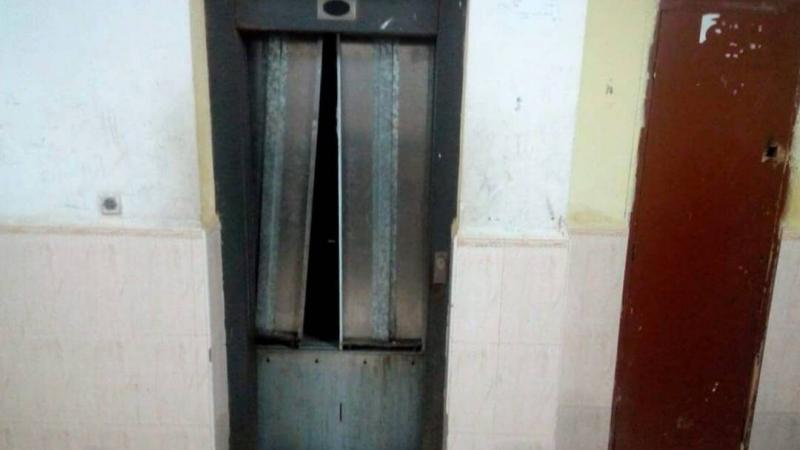 صفاقس: حارس عمارة يلقى مصرعه تحت مصعد كهربائي
