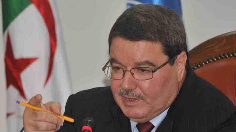 بوتفليقة يهني مهام قائد الشرطة الجزائرية