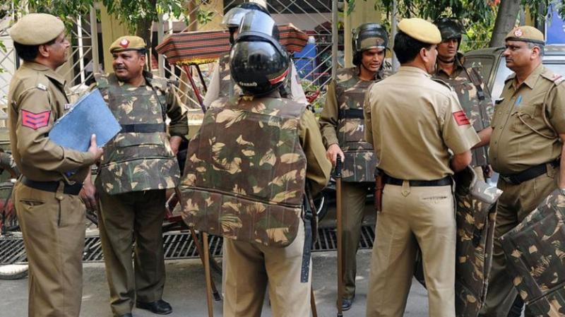العثور على 10 جثث معلّقة بسقف منزل في الهند