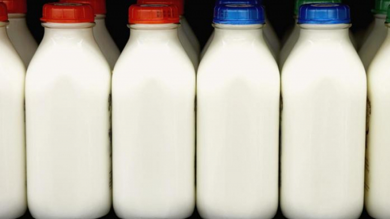 وزارة التجارة:الحليب سيكون متوفّر بكميات كافية في السوق بعد يومين