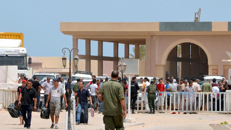 تواصل غلق المعبر الحدودي برأس الجدير من الجانب التونسي