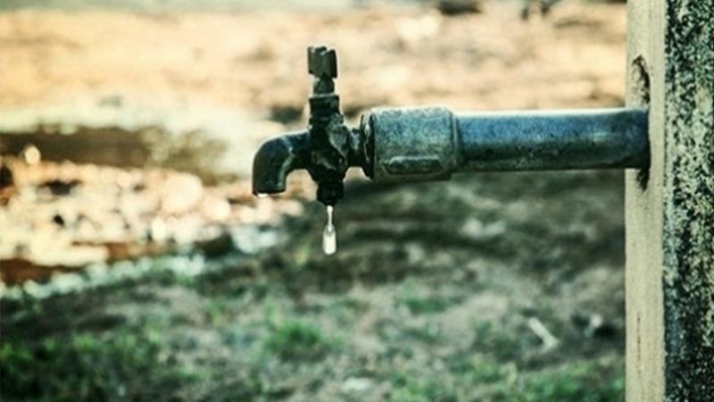 قبلاط: أهالي شيخ الوديان يقطعون الطريق احتجاجا على اضطراب توزيع المياه