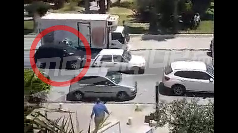 فيديو يوثّق إطلاق النار ولحظة فرار المسلّح بعد السّطو على فرع بنكي