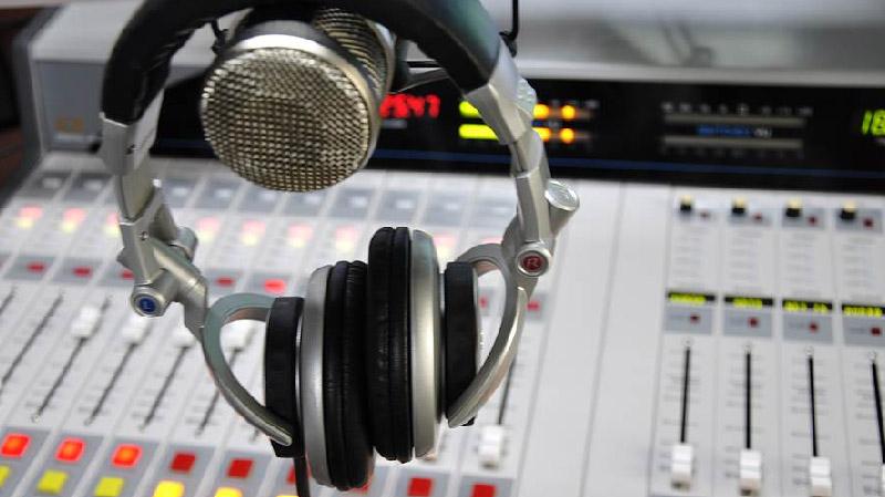 ديوان الإرسال يقطع البث عن إذاعة جهوية خاصة بقابس