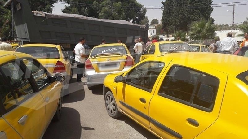 قفصة: سواق التاكسي الفردي يدخلون في اضراب جوع