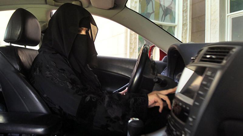 نحو ارسال مدربات تونسيات لتعليم السعوديات السياقة