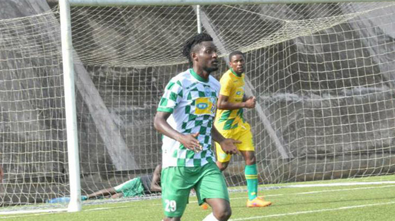 مدافع كاميروني في النادي الإفريقي