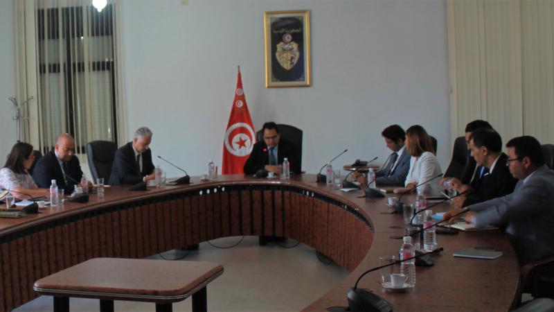 وزير الاستثمار يلتقي بأعضاء مجلس الغرف المشتركة للصناعة والتجارة بتونس