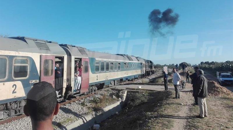 قطار قابس يعود أدراجه إلى صفاقس بسبب احتجاج أهالي طينة